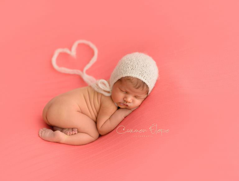Lee más sobre el artículo Fotografía de recién nacidos: Marta