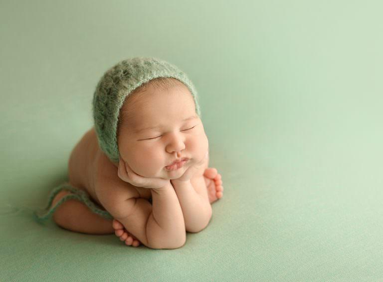 Sesion Newborn Murcia Carmen Elepe Fotografia Fotos Recien Nacido Bonitas Ranita Froggy Verde Mint